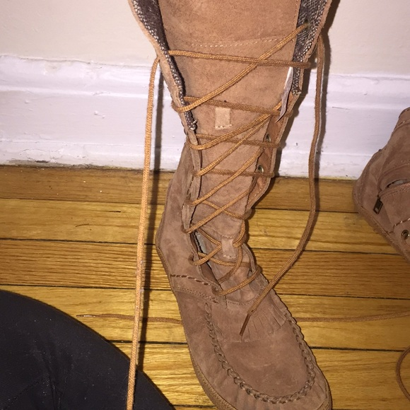 ab3ccada600 Women's lace up ugg boots